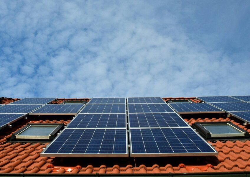 How do Solar Panels Harness Energy?